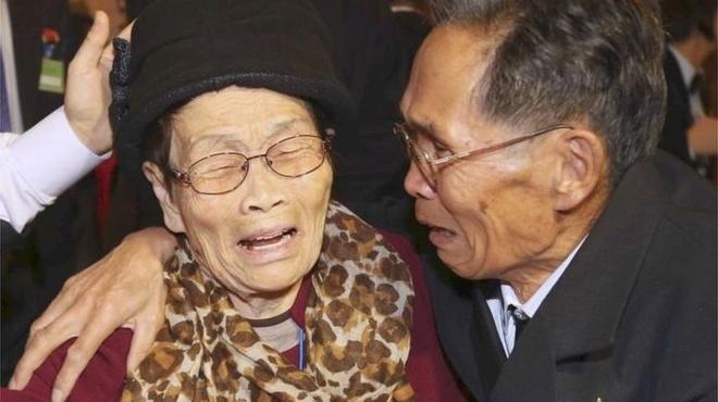 Hon 60 nam, hang chuc nghin gia dinh Trieu Tien van cho doan tu hinh anh