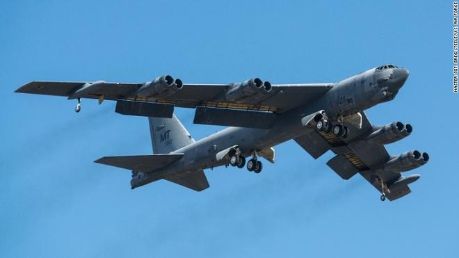My dieu may bay B-52 va B-1 den chau Au doi pho Nga tap tran hinh anh 1