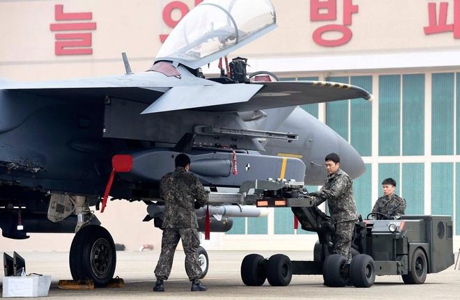 F-15K, at chu bai cua Han Quoc doi pho ten lua Trieu Tien hinh anh 5