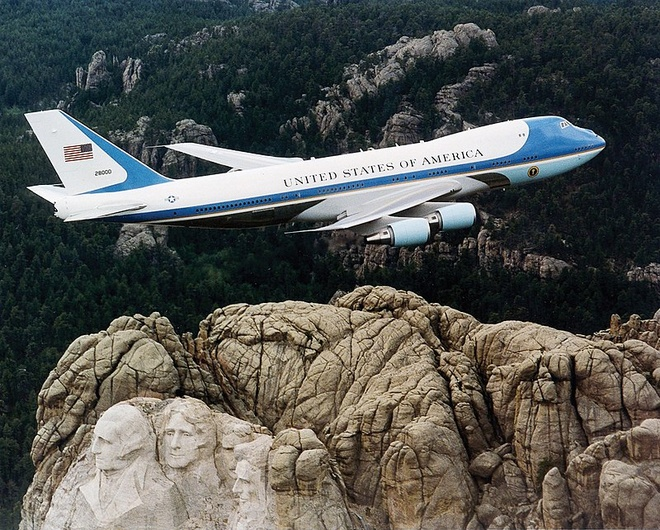 Air Force One cua ong Trump duoc bao ve nhu the nao? hinh anh