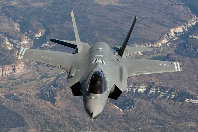 My dieu F-35 den chau A truoc chuyen cong du cua TT Trump hinh anh