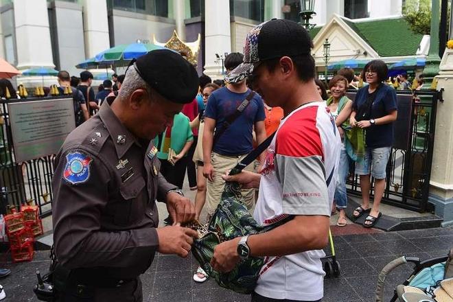 Dien thoai kich bom no o Thai Lan 'co nguon goc Malaysia' hinh anh