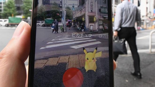 Tai xe o Nhat tong chet nguoi do mai choi Pokemon Go hinh anh