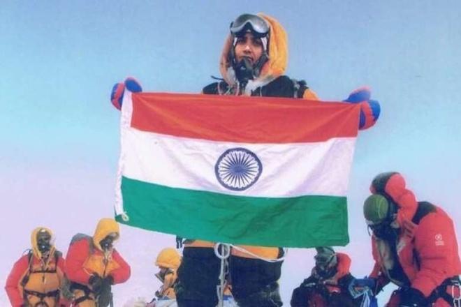 Ghep anh Everest, vo chong An Do bi cam leo nui 10 nam hinh anh