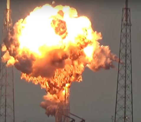 Qua cau lua boc len khi ten lua SpaceX Falcon 9 phat no hinh anh