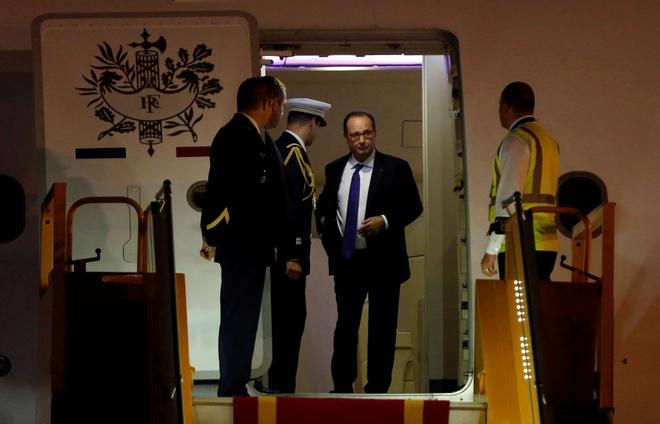 Tong thong Phap Francois Hollande da den Ha Noi hinh anh