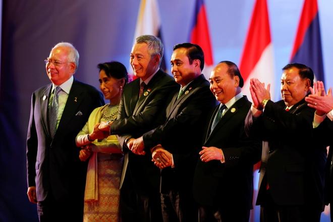 Thu tuong Nguyen Xuan Phuc den Lao du hoi nghi ASEAN hinh anh 1