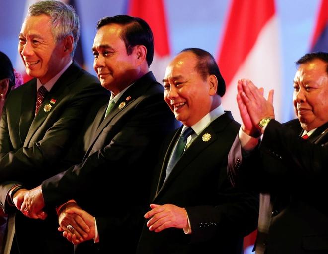 Thu tuong Nguyen Xuan Phuc den Lao du hoi nghi ASEAN hinh anh