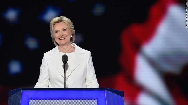 Michelle Obama ung ho ba Clinton anh 2