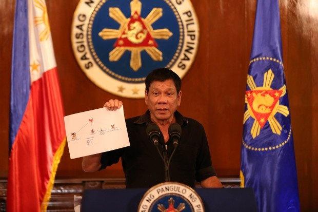 Duterte cong bo danh sach toi pham ma tuy anh 1