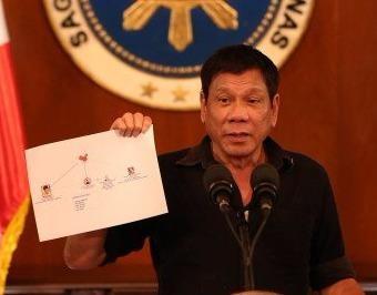 Nguoi Trung Quoc lot vao so tu cua ong Duterte hinh anh