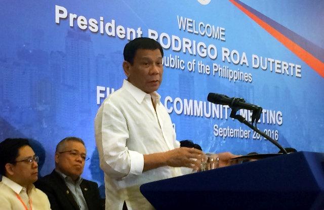 Tong thong Duterte noi Philippines se ngung tap tran voi My hinh anh 1