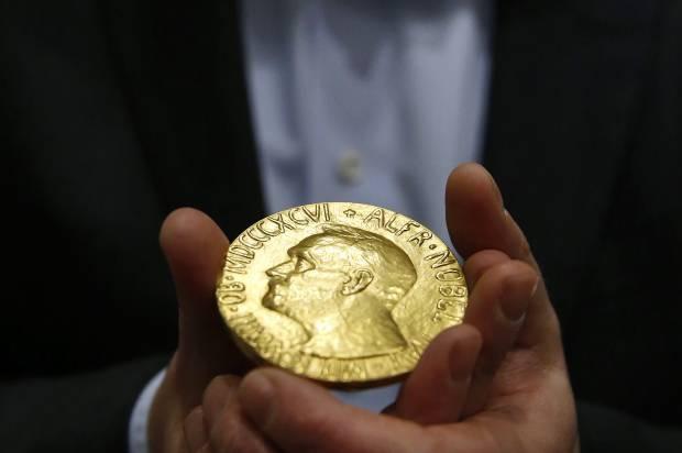 Tien thuong tu giai Nobel duoc tieu xai the nao? hinh anh 1