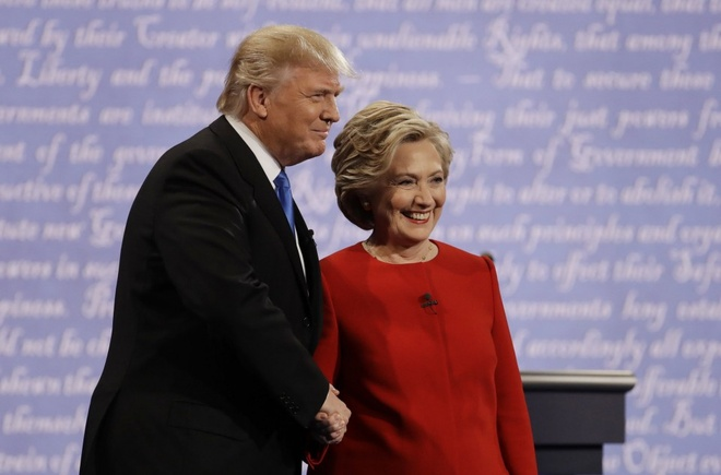 Trump, Clinton canh tranh tung luot like tren mang xa hoi hinh anh 1