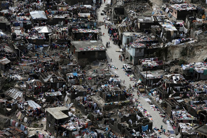 Gan 900 nguoi thiet mang o Haiti vi bao Matthew hinh anh