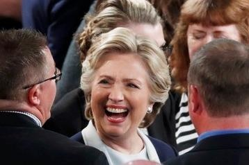 Ba Clinton lai thang trong tham do sau tranh luan lan 2 hinh anh