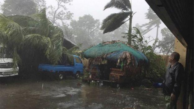 Sieu bao Haima quet qua Philippines, 7 nguoi chet hinh anh 1