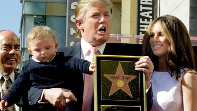 ngoi sao cua Trump bi pha hoai anh 2