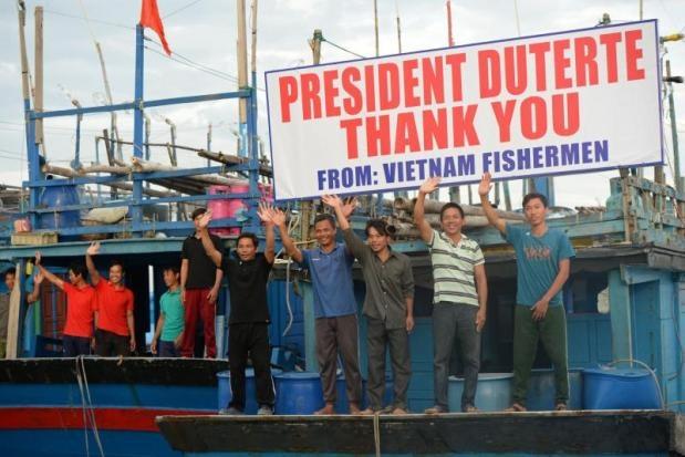 Duterte tha ngu dan Viet anh 1