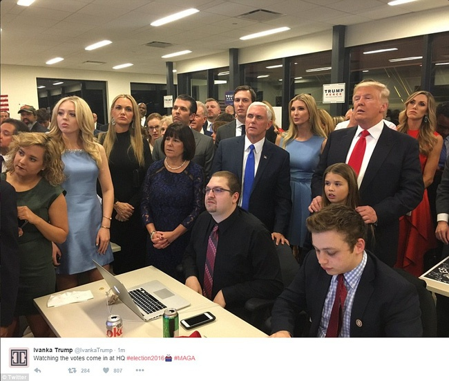 Cu tri My khong chon Trump mot cach mu quang hinh anh 1