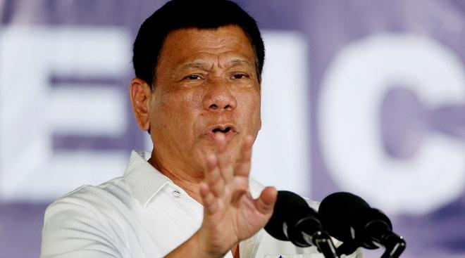 TT Philippines doa nem quan chuc tham nhung khoi may bay hinh anh 1