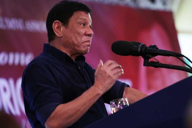 Philippines sa thai gan 100 canh sat dung ma tuy hinh anh 1