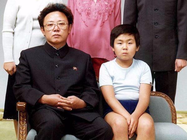 Thoi huy hoang duoc song trong tinh cha cua Kim Jong Nam hinh anh