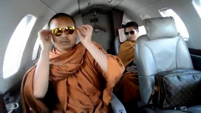 Nhung be boi rung dong Phat giao Thai Lan hinh anh