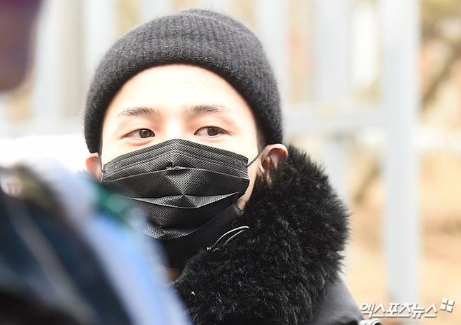G-Dragon bit kin mat toi doanh trai nhap ngu hinh anh