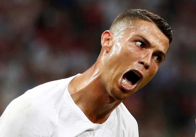 Ronaldo nen cao rau va ngung nghi minh la 'The GOAT' hinh anh