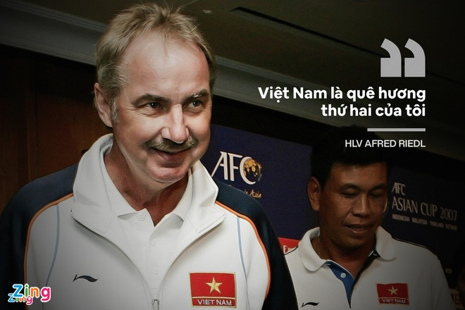 Alfred Riedl anh 2