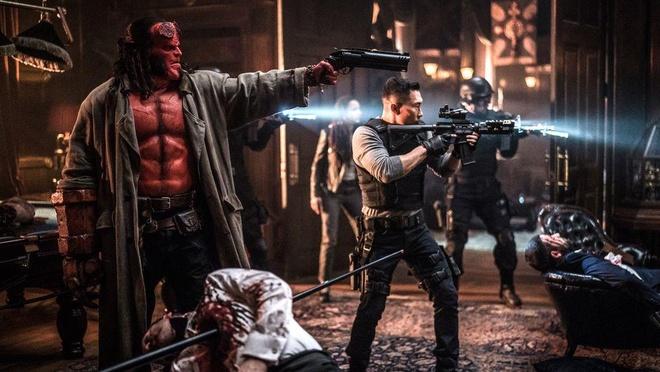 Bom tan 'Hellboy' bi che noi dung lon xon, dung ky xao re tien hinh anh 2