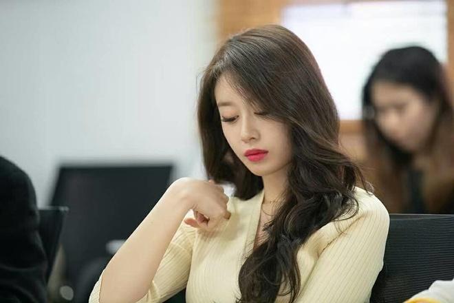 Ji Yeon hóa thân thành mỹ nữ kiêu kỳ, gây chú ý trong phim mới
