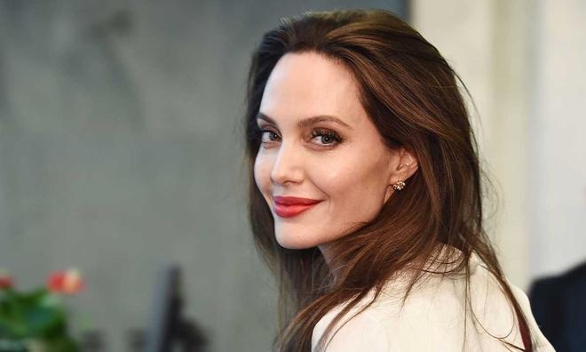 dien vien Angelina Jolie anh 4