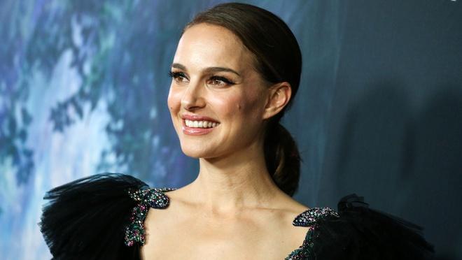 dien vien Angelina Jolie anh 6