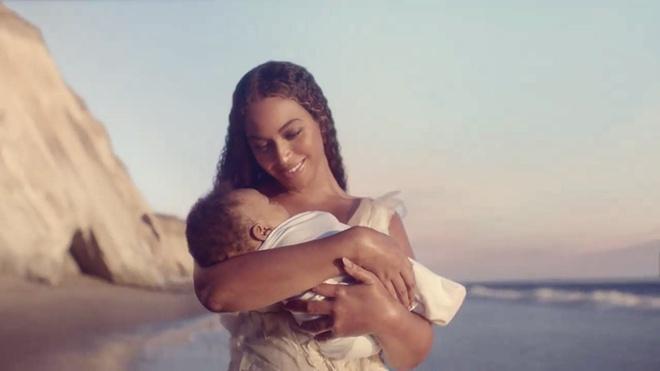 Beyonce ra mat album anh 1