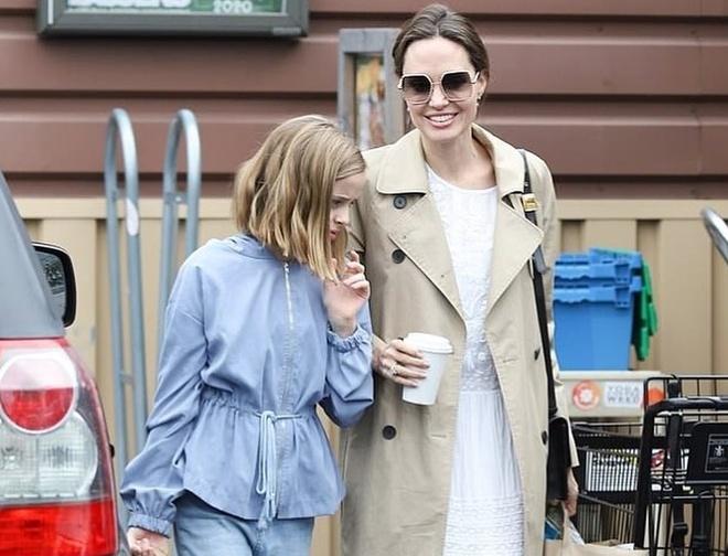 Con gai ut Angelina Jolie thua huong net dep cua bo me hinh anh 1 90041138_632799470872998_2215051375162302777_n.jpg
