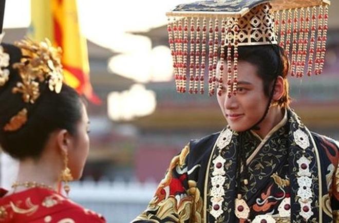 Nhung ong vua, thai tu khien phai dep me man cua truyen hinh Han Quoc hinh anh 4 826a8a518e1767493e06.jpg