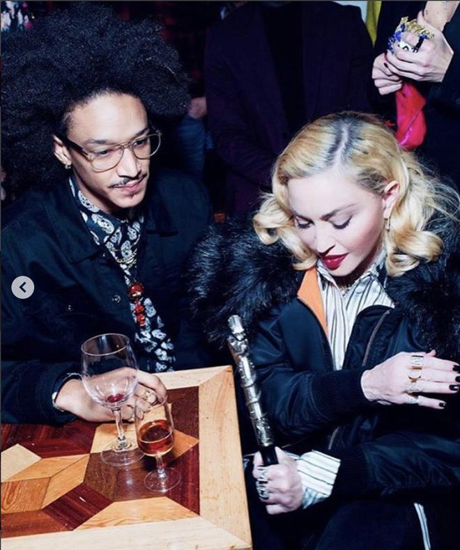 Madonna say dam ben ban trai kem 36 tuoi hinh anh 3 Anh_chup_Man_hinh_2020_04_25_luc_8.07.15_CH.png
