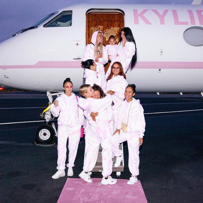 Kylie Jenner mua phi co anh 1