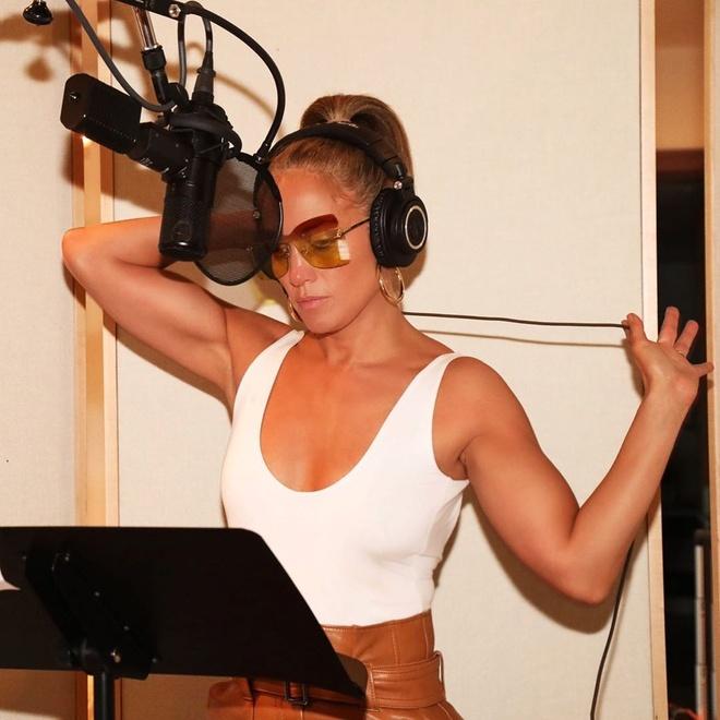 Jennifer Lopez goi cam anh 2