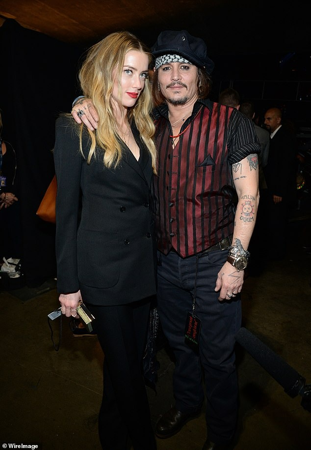 Johnny Depp danh vo anh 1