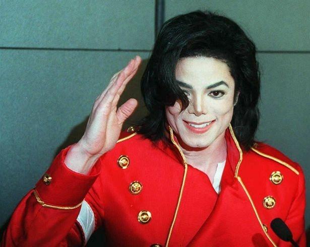 Michael Jackson kiem nhieu tien anh 1