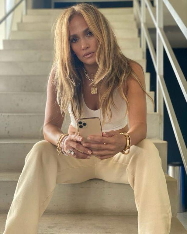 Jennifer Lopez ly hon anh 1