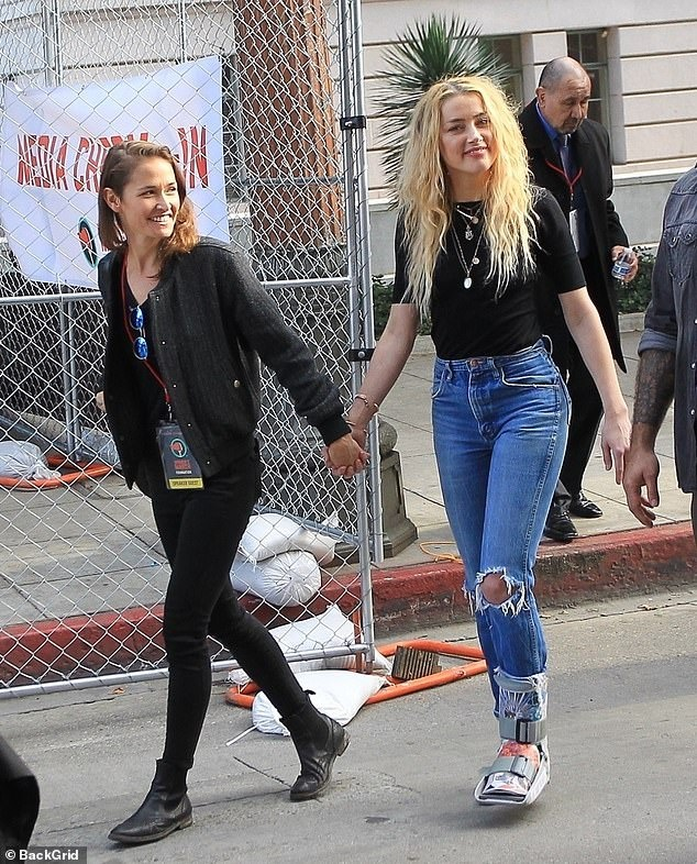 Amber Heard lai bi chi trich la 'ke dao mo' Johnny Depp hinh anh 3 14_2.jpg