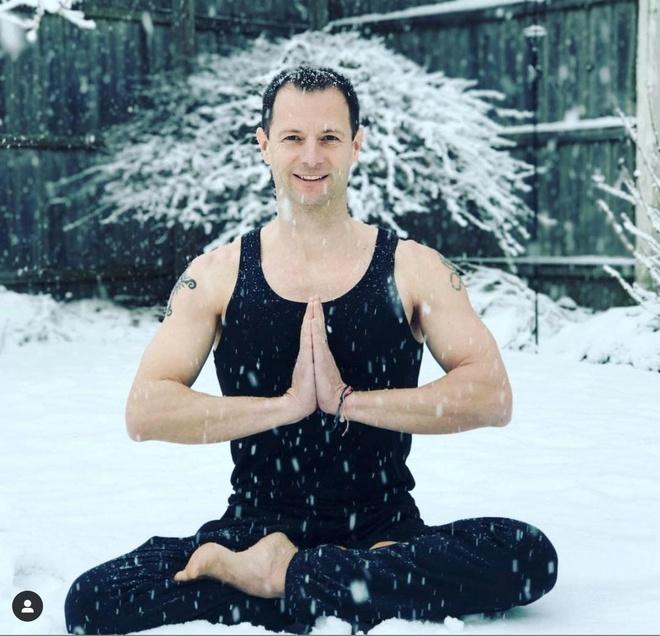 9 giao vien yoga noi tieng tren mang hinh anh 2