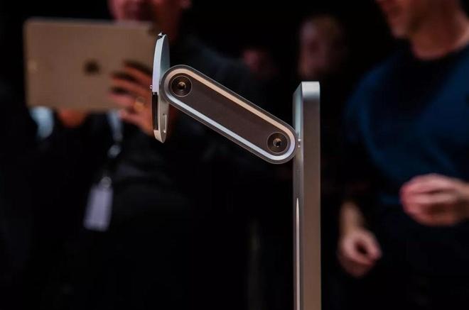 Đế màn hình giá nghìn USD của Apple thành trò cười trên mạng