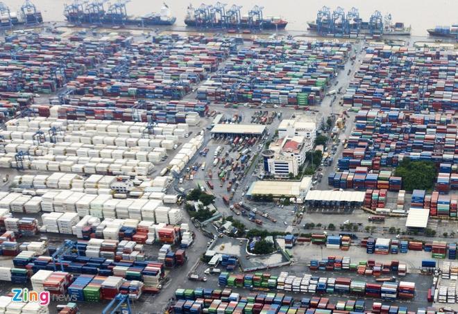 Buoc tai xuat 1.100 container phe lieu nhap ve Viet Nam tu nam 2018 anh 1