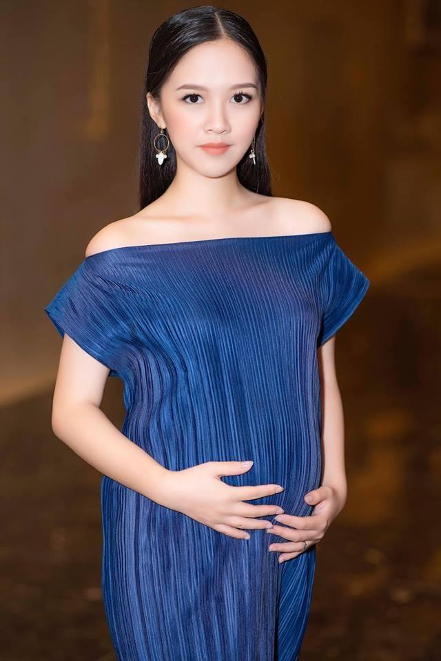 Hot girl 'Banh duc co xuong' Ha Anh tai xuat sau khi sinh con dau long hinh anh 3
