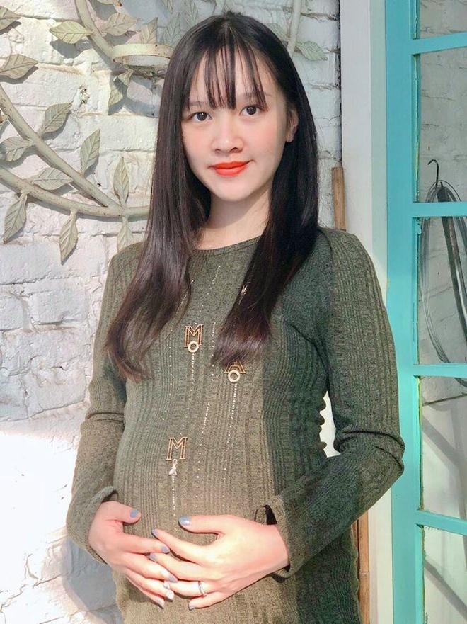 Hot girl 'Banh duc co xuong' Ha Anh tai xuat sau khi sinh con dau long hinh anh 5